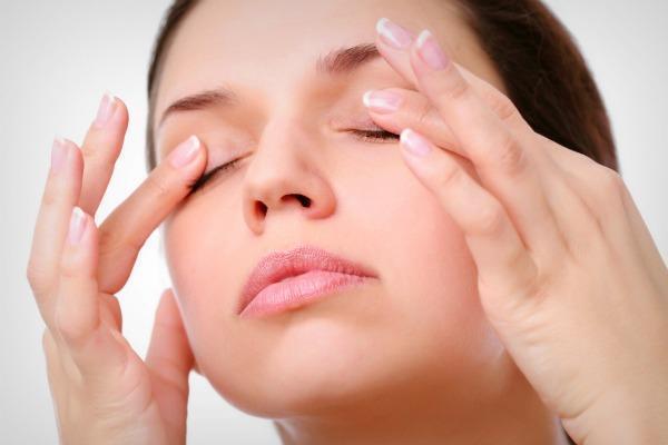 Как улучшить лимфодренаж и избавиться от отеков под глазами